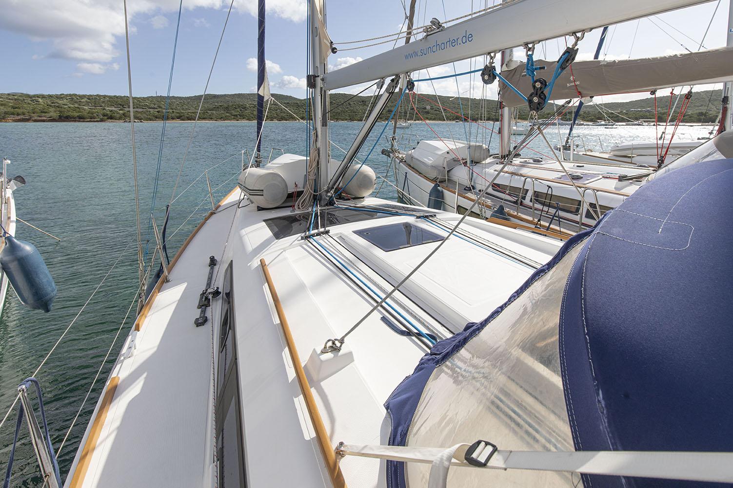 Dufour 382 Silce of the Sea Sun Charter